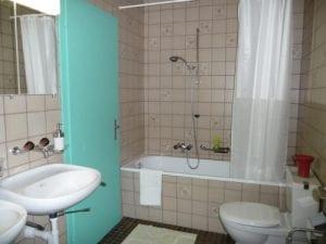 Duschen und Toiletten (Gästezimmer) Kienberg